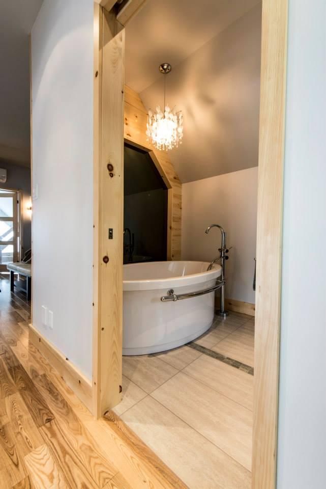 Réalisation résidentielle L'ingénieuse salle de bain ETC 2012
