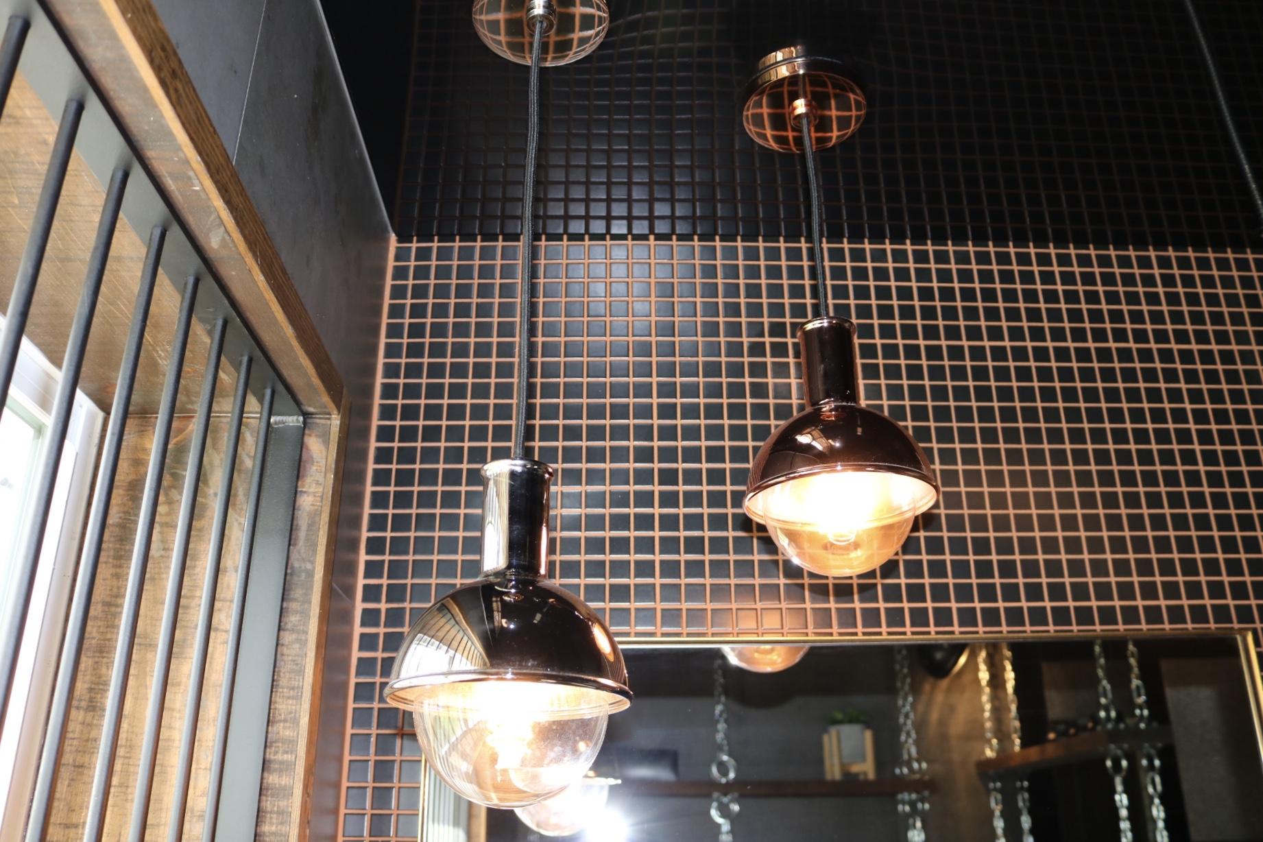 Réalisation design d'intérieur résidentielle L'unique salle d'eau luminaire cuivre ETC 2018
